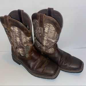 Justin's camo men square toe cowboy boots 10.5 EE